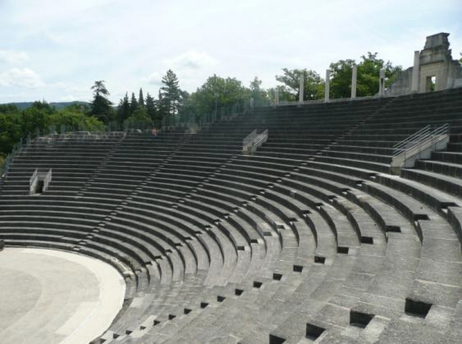 Amphithéâtre romain